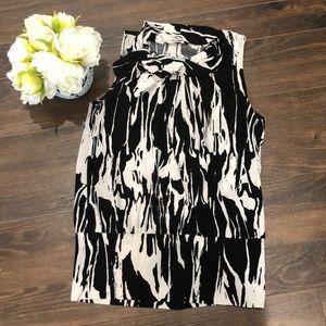 ❤️3 for $20- Sleeveless Blouse- size Large